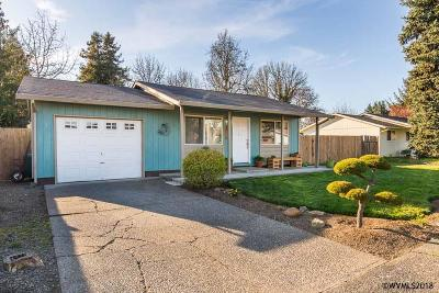 Aumsville Single Family Home For Sale: 835 N 6th St