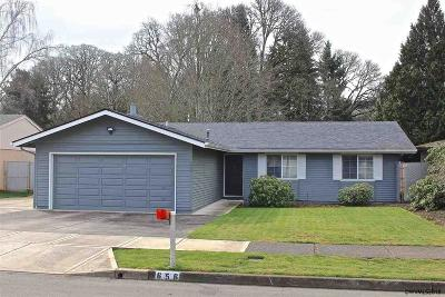 Salem OR Single Family Home Active Under Contract: $280,000
