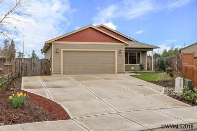 Aumsville Single Family Home Active Under Contract: 9958 Panther Ct