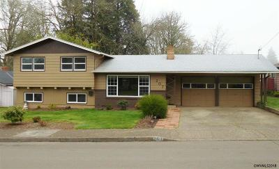 Salem OR Single Family Home For Sale: $319,900