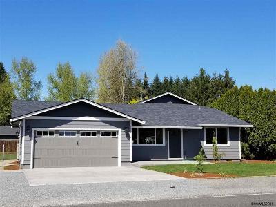 Mt Angel Single Family Home For Sale: 1010 E Marquam St