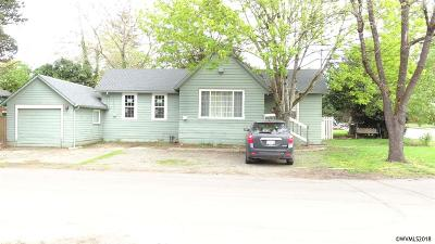 Salem Single Family Home For Sale: 815 17th St