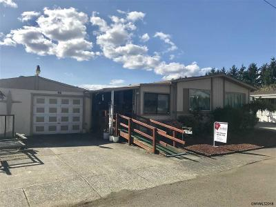 Keizer Manufactured Home Active Under Contract: 1055 Lockhaven #98