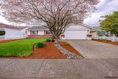 Keizer Single Family Home For Sale: 329 Dorcas Dr
