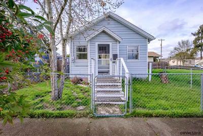 Albany Single Family Home For Sale: 327 6th Av
