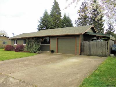 Woodburn Single Family Home For Sale: 810 Elana Wy