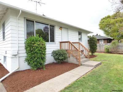 Salem Single Family Home For Sale: 269 Draper St