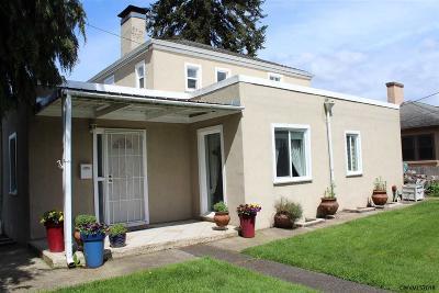 Albany Single Family Home For Sale: 1605 2nd Av