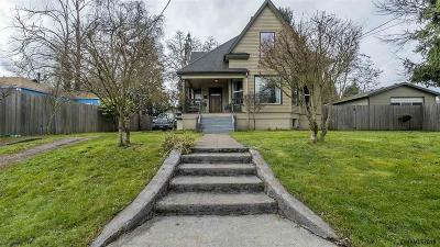 Woodburn Single Family Home For Sale: 784 Harrison St