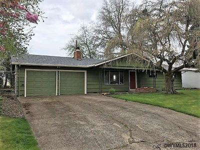 Keizer Single Family Home For Sale: 1945 Dearborn Av