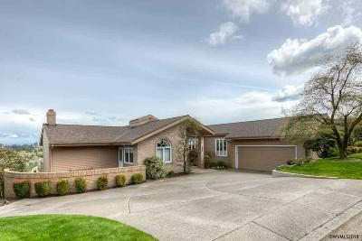 Salem Single Family Home For Sale: 2339 Crestmont Cl