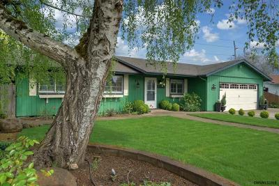 Keizer Single Family Home For Sale: 1069 Cynthia St