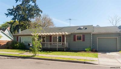 Salem Single Family Home For Sale: 1090 Leffelle St