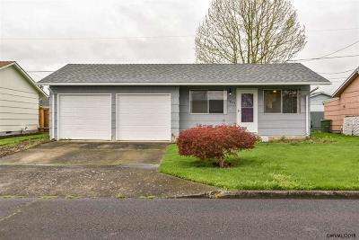 Woodburn Single Family Home For Sale: 1885 Thompson Rd