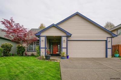 Keizer Single Family Home For Sale: 855 Sonata Ln