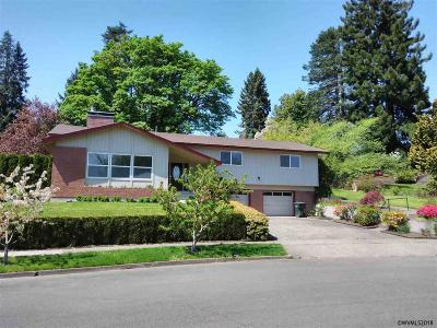 Keizer Single Family Home For Sale: 952 Mistletoe Lp