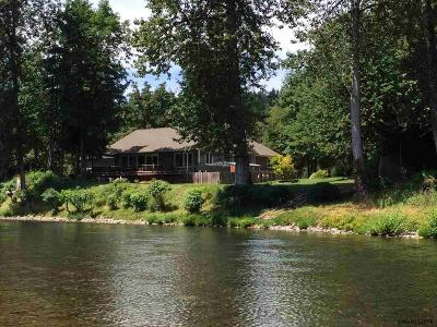 Sweet Home Single Family Home Active Under Contract: 42570 N River Dr