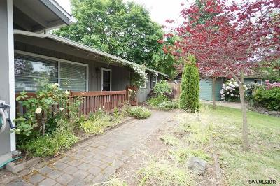 Keizer Single Family Home For Sale: 444 Hornet Ct