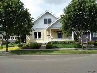Monmouth Single Family Home For Sale: 1400 Emerson Ln
