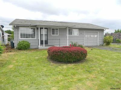 Woodburn Single Family Home Active Under Contract: 1396 Rainier Rd