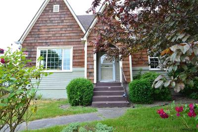 Salem Single Family Home For Sale: 2090 Myrtle Av