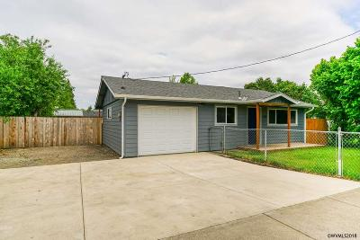 Keizer Single Family Home Active Under Contract: 1167 Dearborn Av