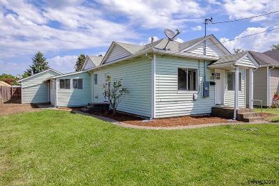 Dallas Single Family Home Active Under Contract: 528 SE Maple St