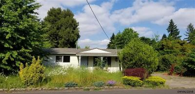 Keizer Single Family Home Active Under Contract: 4052 Brooks Av