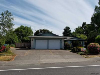 Keizer Single Family Home For Sale: 1224 Lockhaven Dr