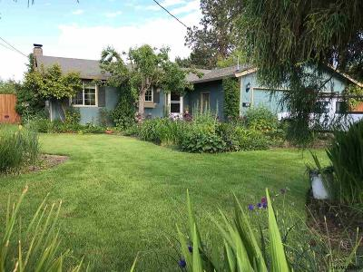 Monmouth Single Family Home For Sale: 567 Broad St