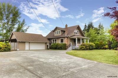 Woodburn Single Family Home For Sale: 900 Wilson St