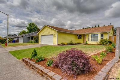 Keizer Single Family Home For Sale: 7165 Pierce Dr