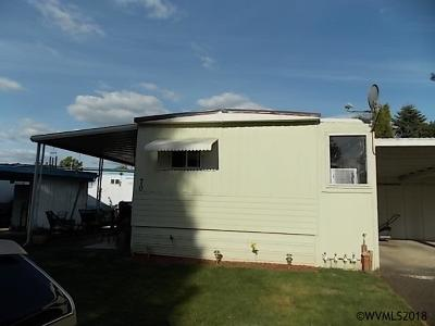 Keizer Manufactured Home Active Under Contract: 5535 River Rd #70