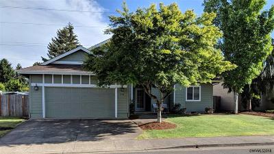 Stayton Single Family Home For Sale: 710 Summerview Dr