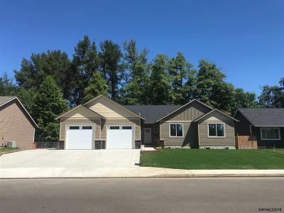 Scio Single Family Home For Sale: 38795 SW 2nd Av