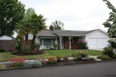 Keizer Single Family Home For Sale: 1455 Manzanita St
