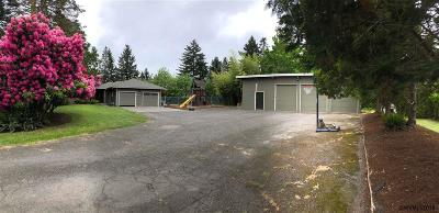 Keizer Single Family Home Active Under Contract: 190 McNary Heights Dr