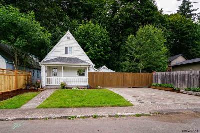 Salem Single Family Home For Sale: 737 Piedmont Av