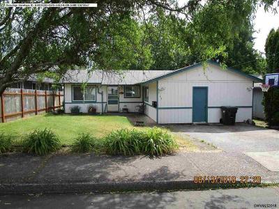 Salem Single Family Home For Sale: 3130 Doughton St