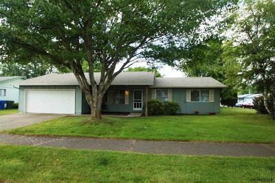 Salem Single Family Home For Sale: 4456 Roselawn Dr