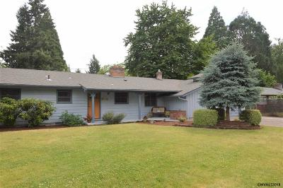 Keizer Single Family Home Active Under Contract: 668 Dennis Ln