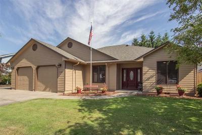 Stayton Single Family Home For Sale: 1157 E Virginia St