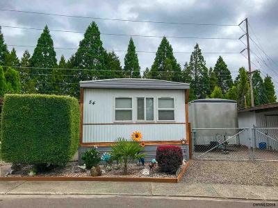 Keizer Manufactured Home Active Under Contract: 5355 River (#54) Rd #54