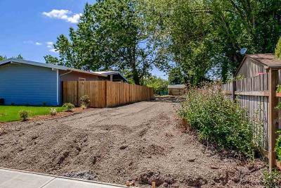 Albany Residential Lots & Land For Sale: 2168 Geary (Adj Lot) St