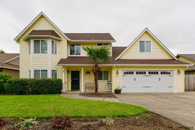 Stayton Single Family Home For Sale: 667 Summerview Dr