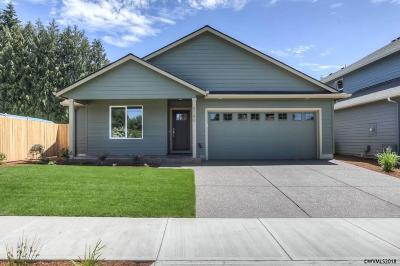Keizer Single Family Home Active Under Contract: 5190 Joan Dr