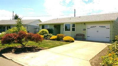 Woodburn Single Family Home Active Under Contract: 1646 Jansen Wy
