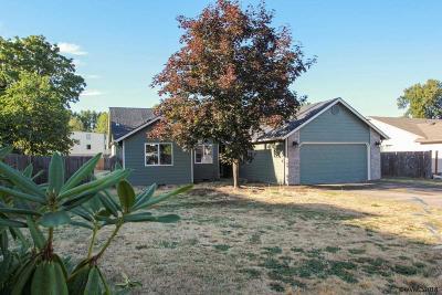 Dallas Single Family Home Active Under Contract: 650 SE Azalea Av