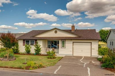 Woodburn Single Family Home For Sale: 724 S Cascade Dr