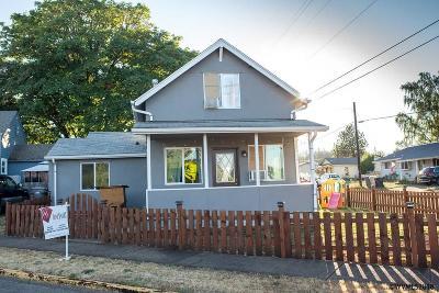 Dallas Single Family Home For Sale: 1309 SW Fairview Av